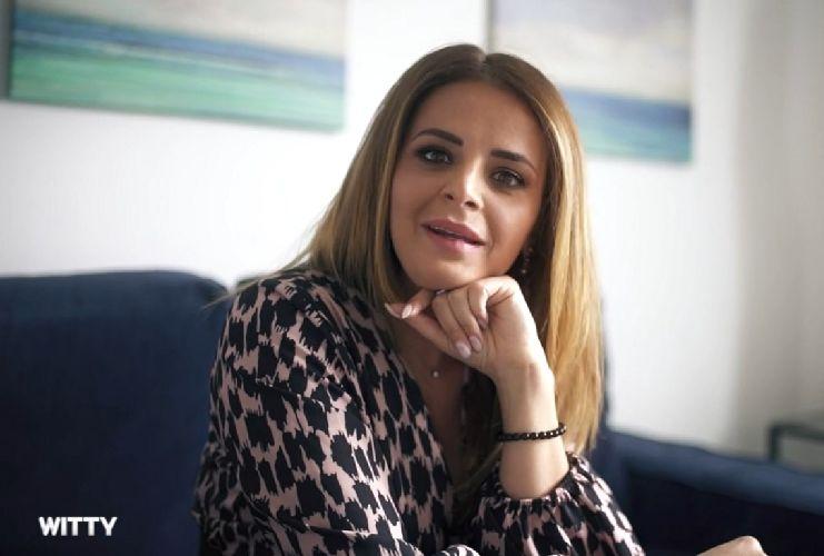 Roberta Di Padua critica Annamaria
