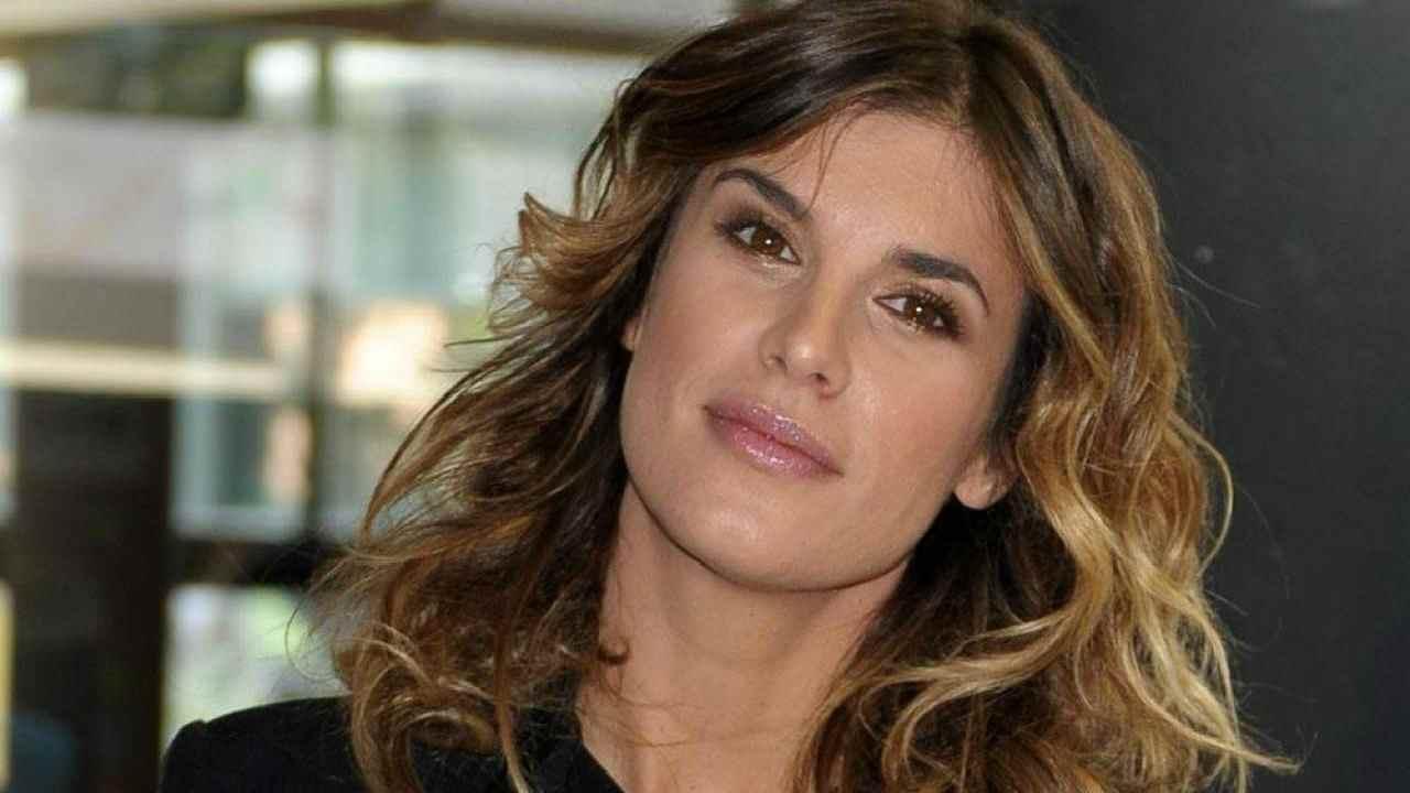 Elisabetta Canalis senza un filo di trucco: la 40enne al nat