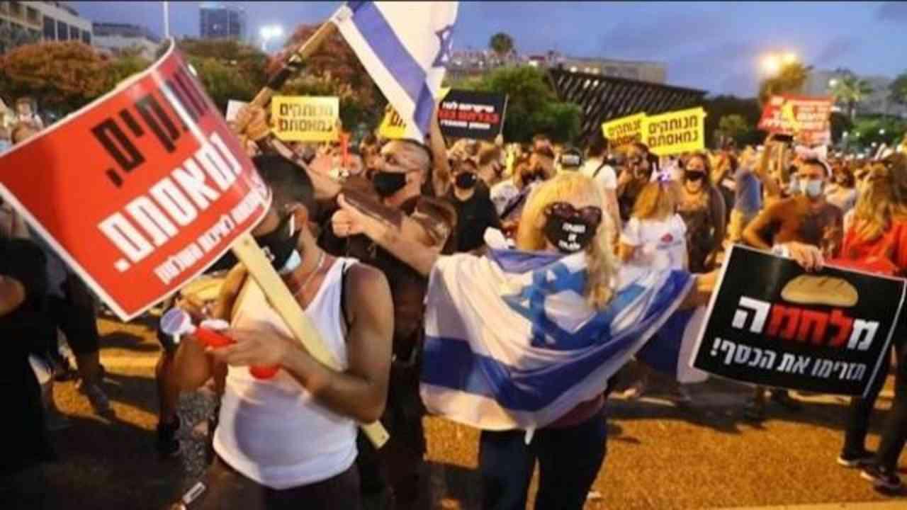 Israele in tumulto: boom di casi di Covid e proteste in piaz