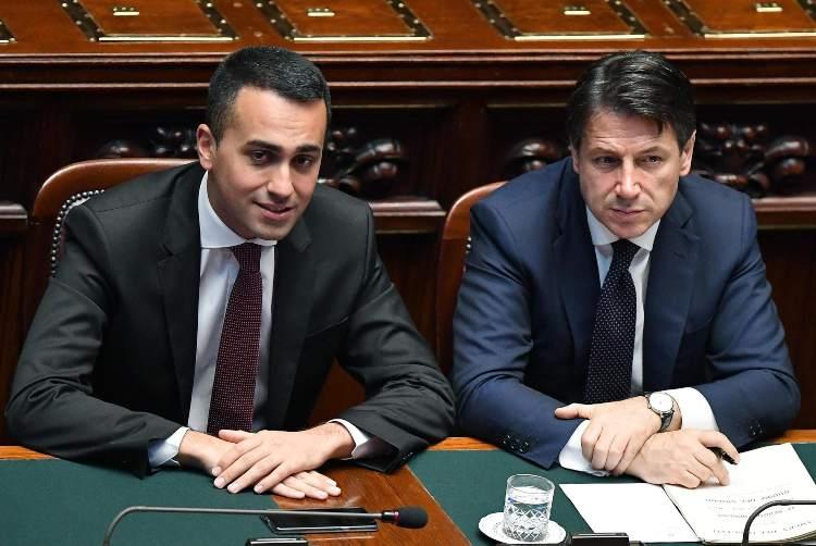 Il fuoco 'amico' di Di Maio colpisce Conte