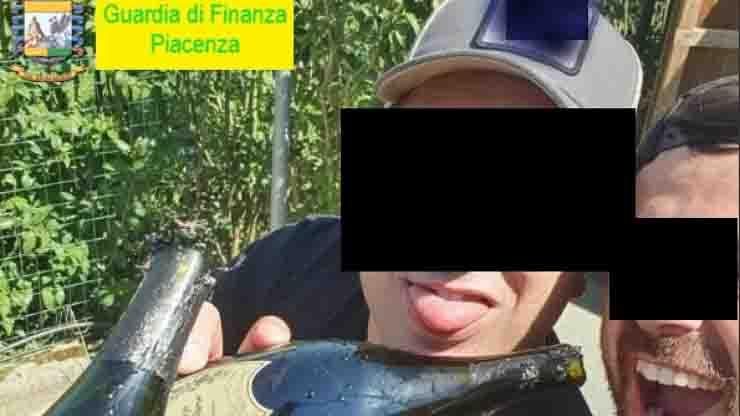 festini in piscina e droga carabinieri levante guardia di finanza piacenza intercettazioni