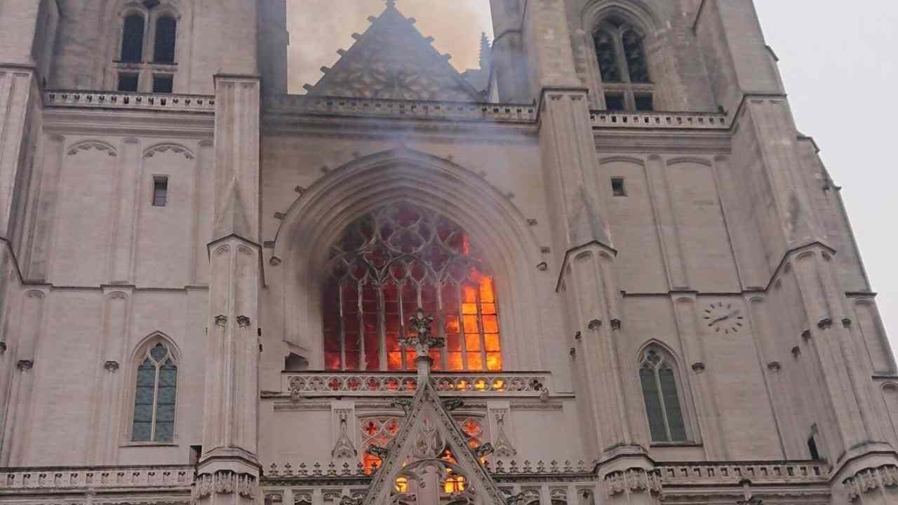 incendio-cattedrale-nantes