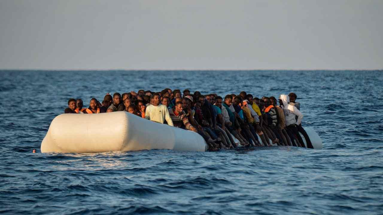 Migranti, Viminale: online nuovo bando per nave quarantena