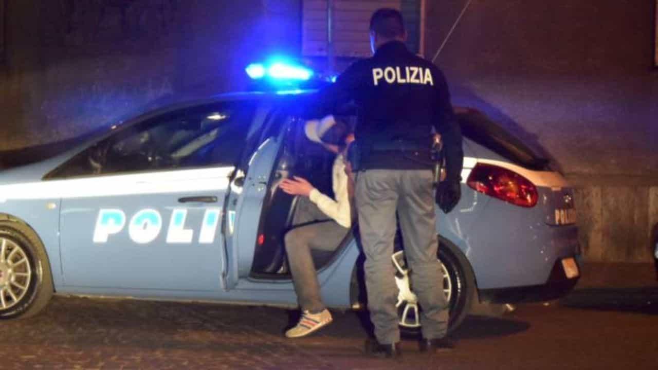 polizia roma - neonato acqua bollente