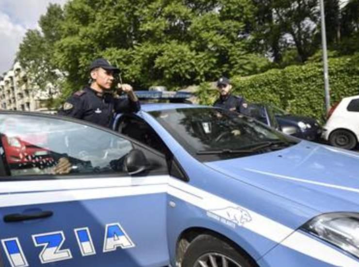 Assalto a portavalori pensioni con mascherina anti-Covid e kalashnikov: rubati 100mila euro