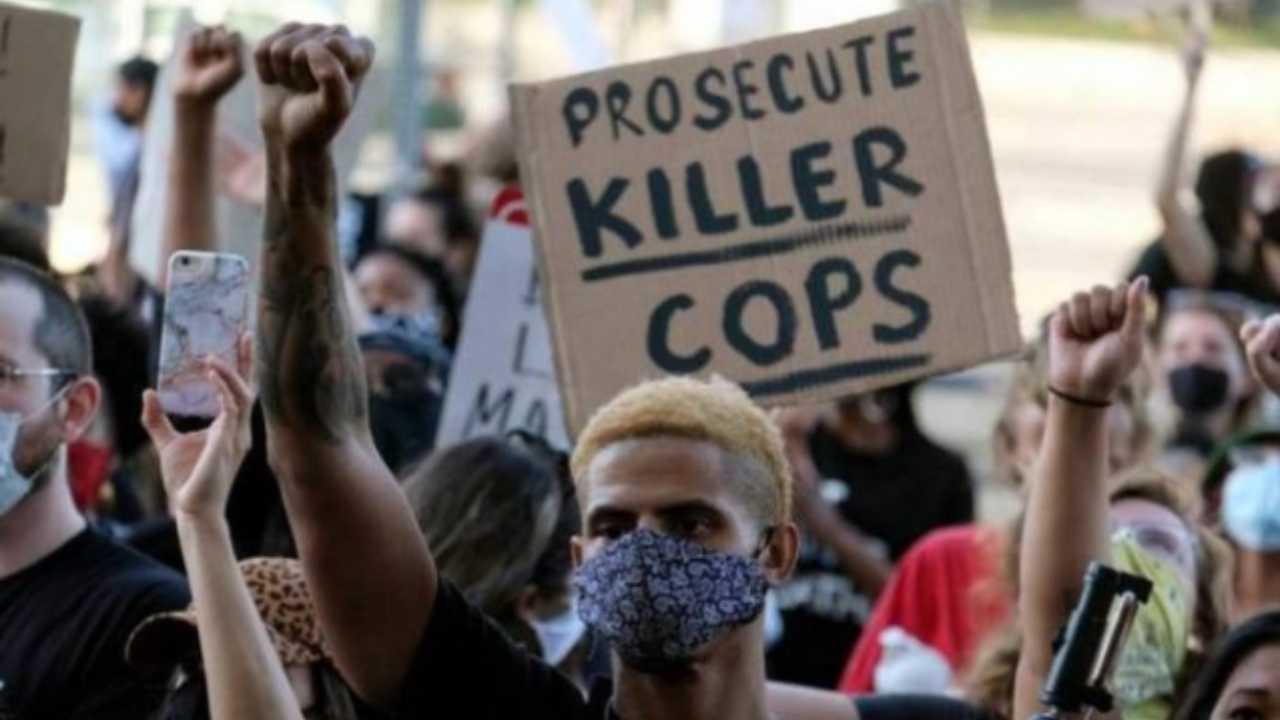La Georgia dichiara lo stato di emergenza dopo le proteste a