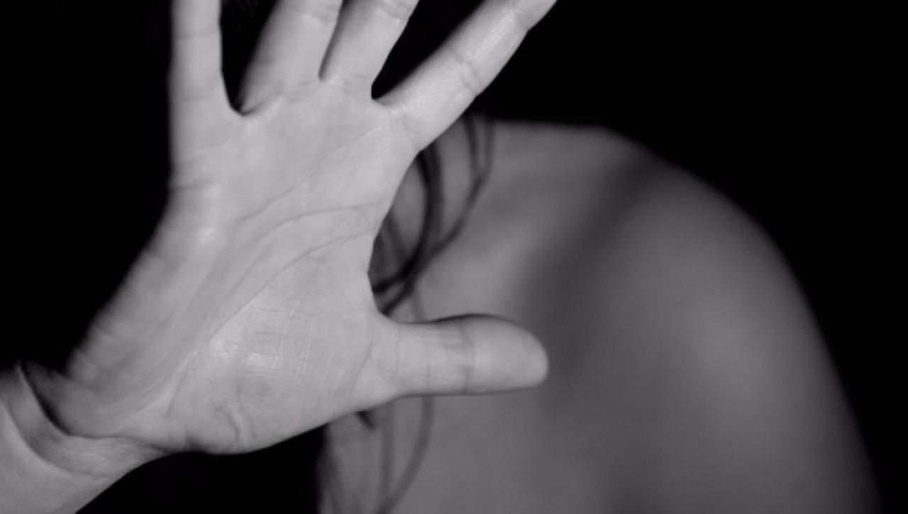 ragazzina violenza sessuale