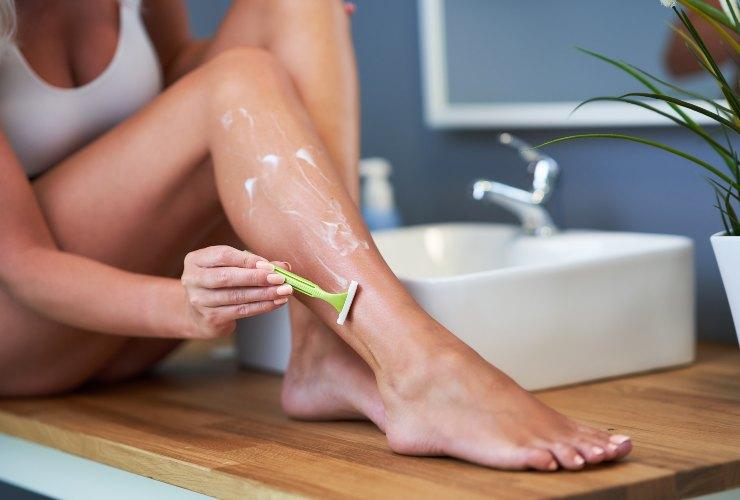 rasoio gambe: conservarli più a lungo-meteoweek.com