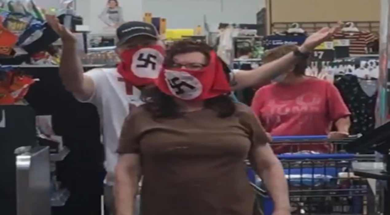 Indossa mascherina con strani rigonfiamenti All'interno è nascosta la droga