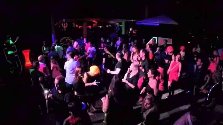 17enne positivo Coronavirus Catania 1000 partecipanti al party in spiaggia