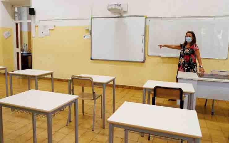Apertura scuole a rischio per aumento contagi coronavirus