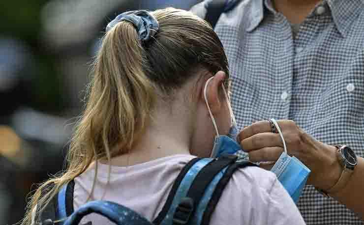 Apertura scuole a rischio a causa dell'aumento di contagi coronavirus
