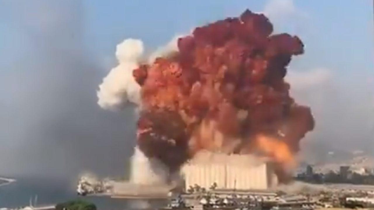 """Esplosione a Beirut, rasa al suolo parte della città: """"Come Hiroshima e Nagasaki"""""""