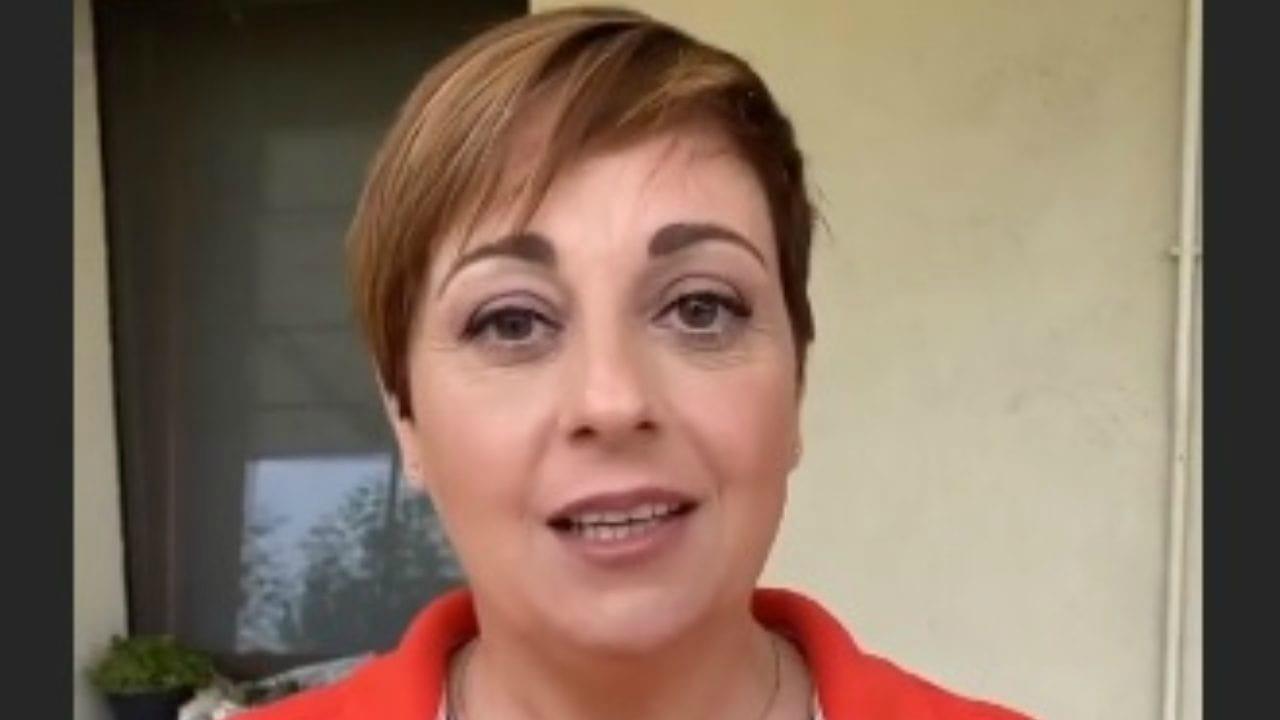"""Benedetta Rossi, il marito la punge in diretta Instagram: """"Non sai cucinare…"""""""