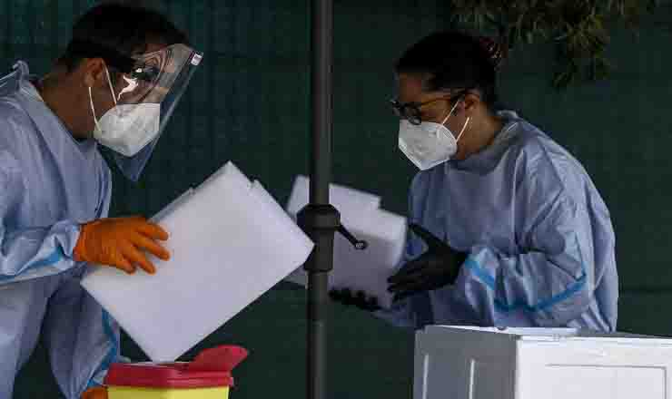 Bollettino coronavirus calano i contagi mascherine a Sassari anche all'aperto