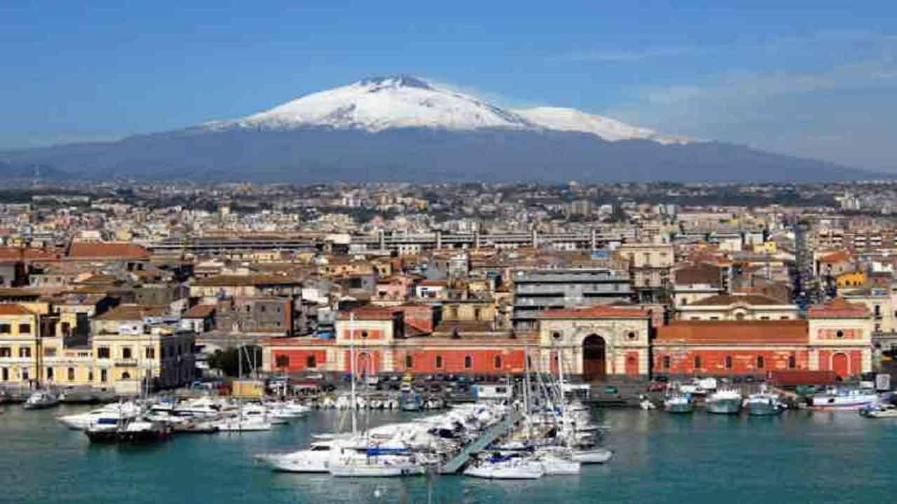 Meteo Catania oggi domenica 9 agosto: nubi sparse