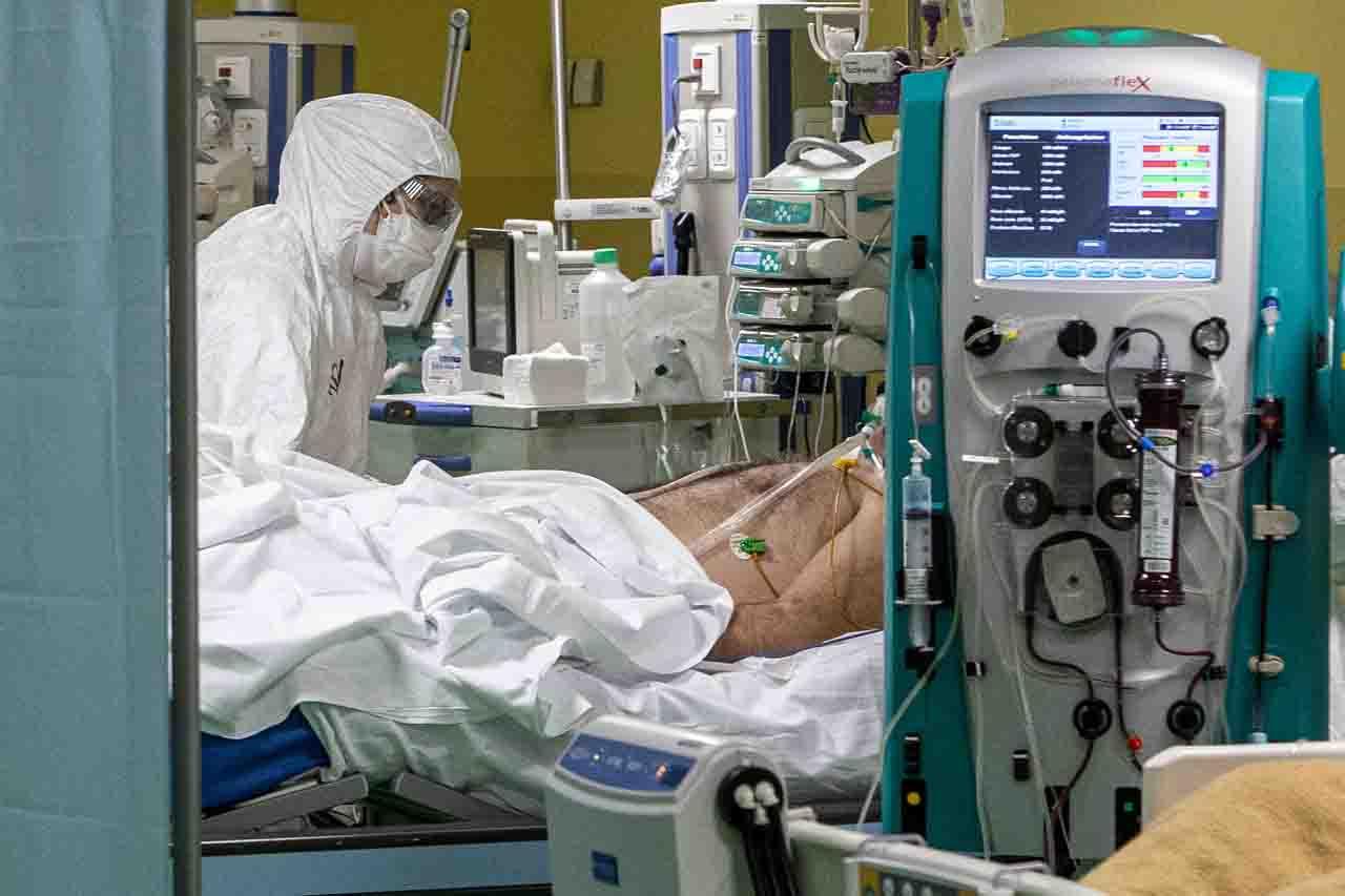 covid lombardia giovani intubati