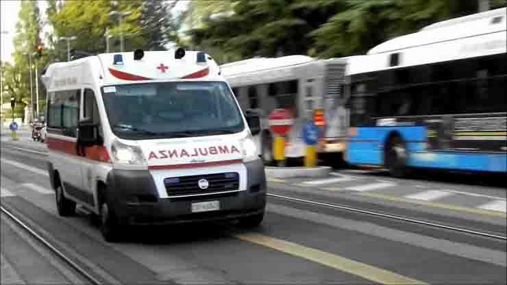 Ragazza di 28 anni Modena due incidenti in dieci minuti