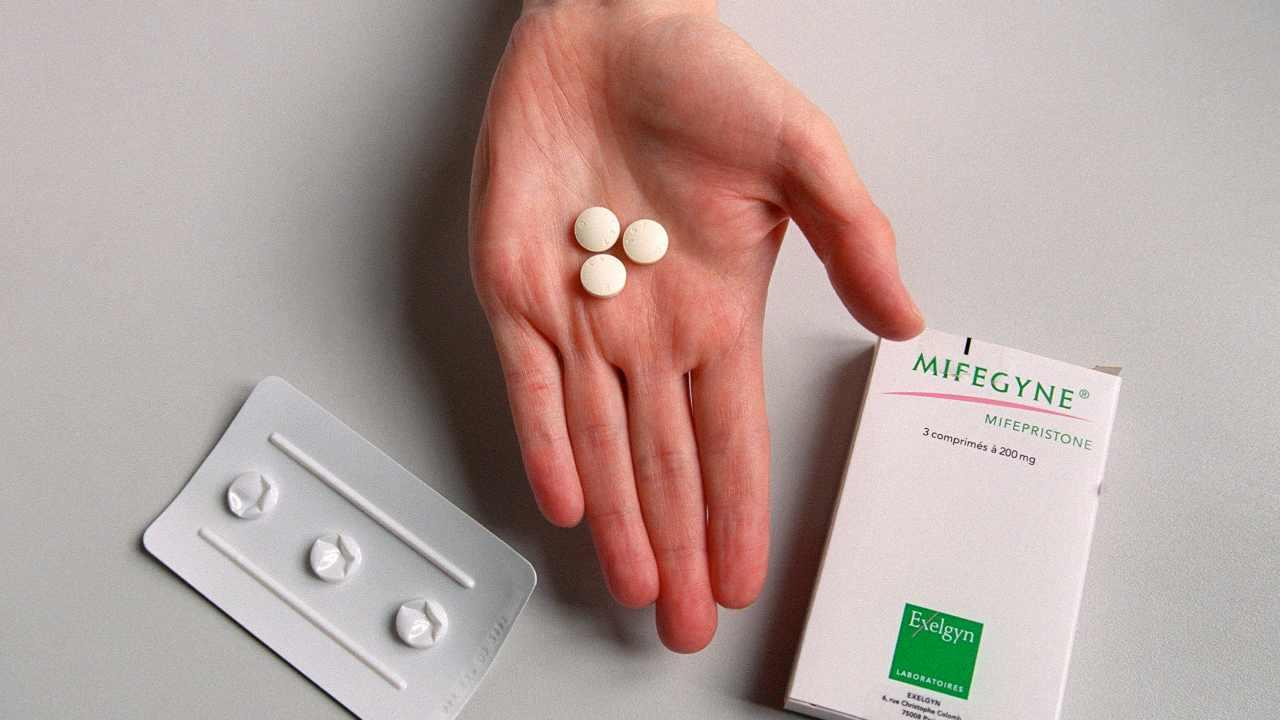 Aborto farmacologico, pubblicate nuove linee guida sulla Ru486