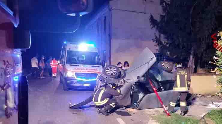 Incidente mortale a Pojana Maggiore in provincia di Vicenza mini cappottata contro un muro