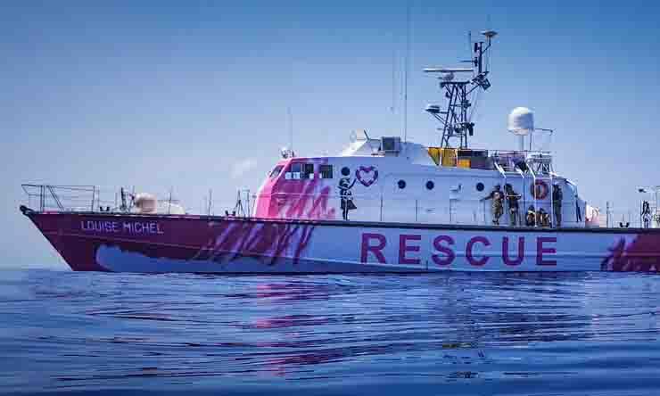 La nave di Banksy che salva i migranti
