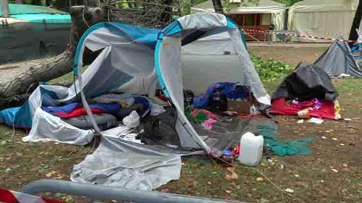 Tenda crollata al campeggio due sorelle uccise una era promessa del judo