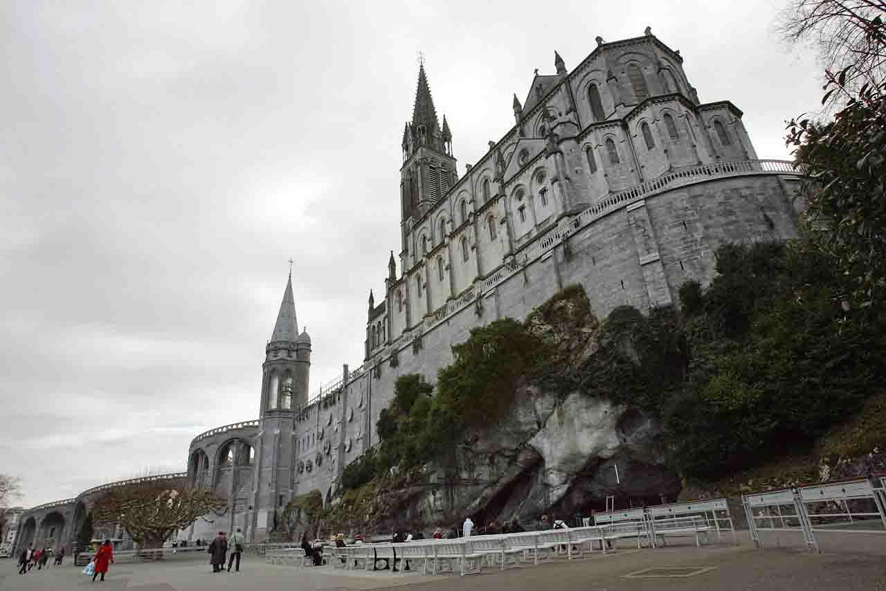 Funicolare di Lourdes colpita da un fulmine 12 i feriti