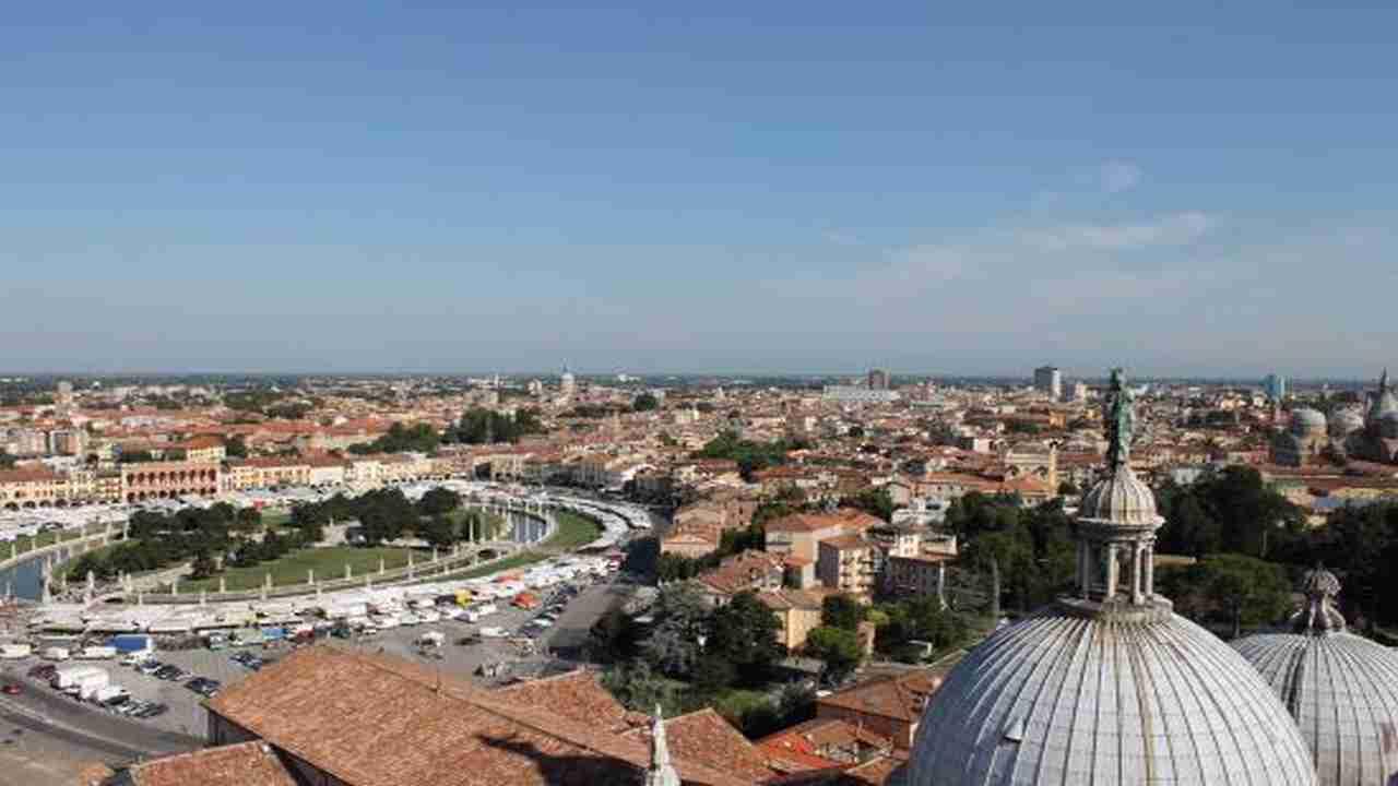 Meteo Padova domani lunedì 10 agosto: prevalentemente sereno