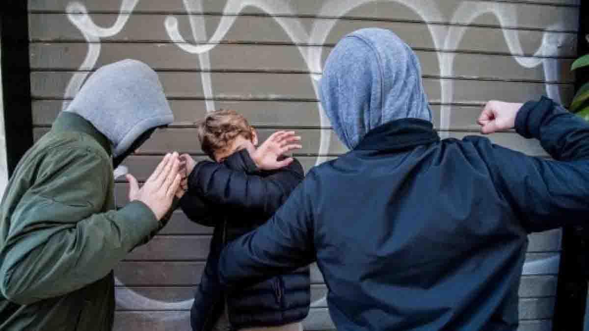 """15enne massacrato di botte la notte di Ferragosto da un gruppo di bulli in Versilia: """"Potevano uccidermi come Willy. Vedo violenza ovunque, fermiamoci"""""""
