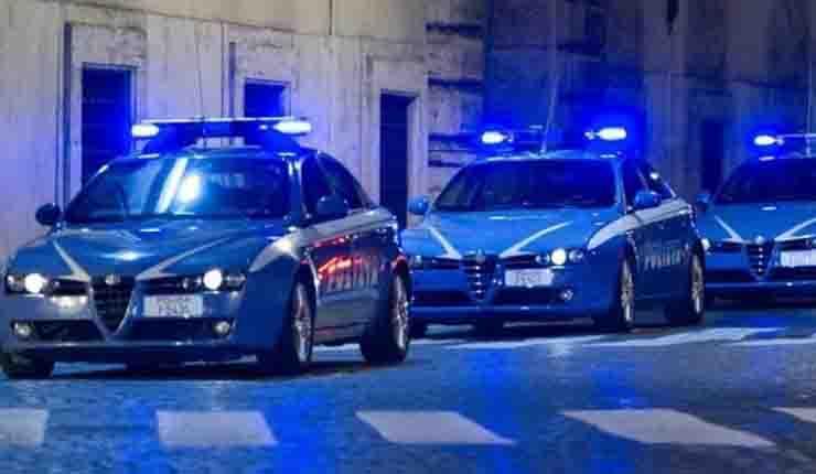 Uomo ucciso a martellate a Genova interrogati i figli