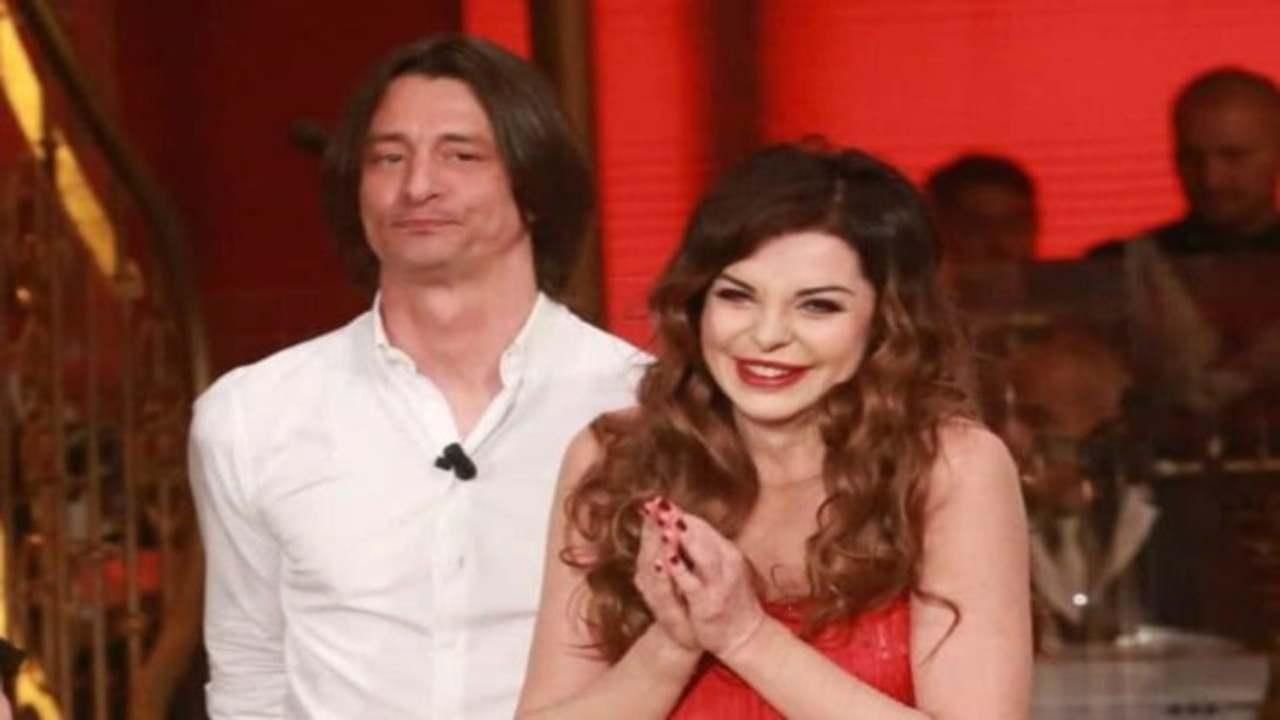 """Franco Oppini su Alba Parietti – """"Lascialo respirare sto ragazzo"""" – Domenica Live"""