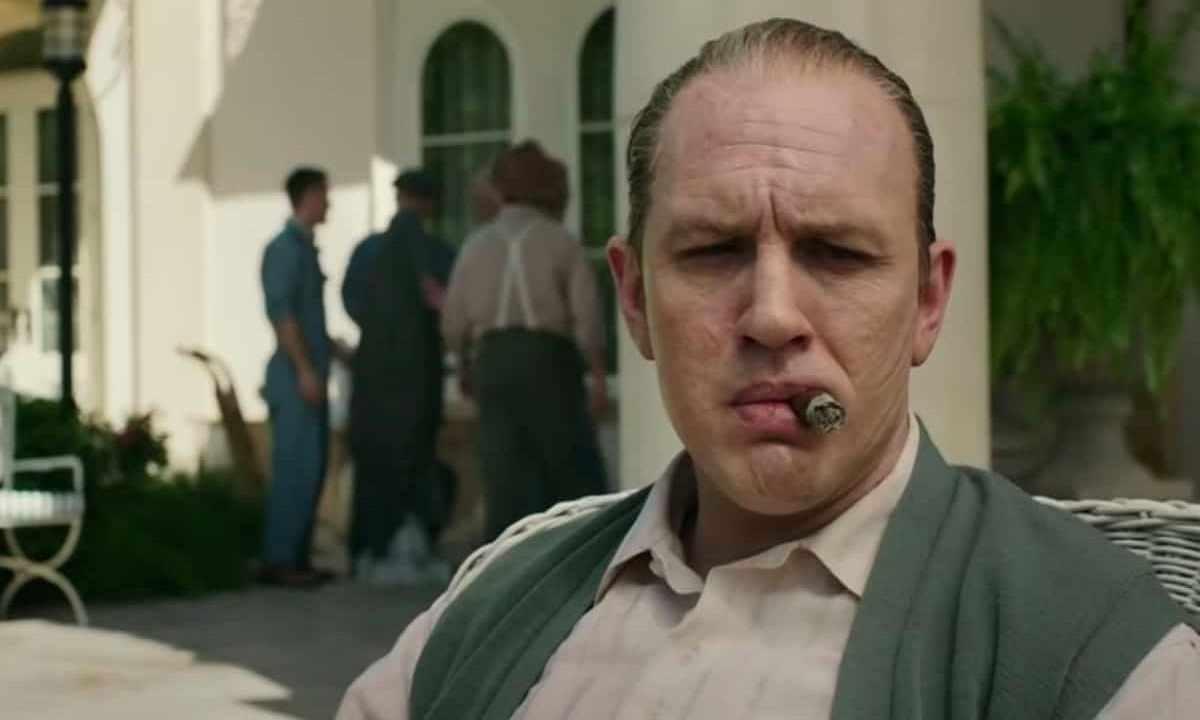 Capone | la recensione del biopic (che non convince) con Tom Hardy