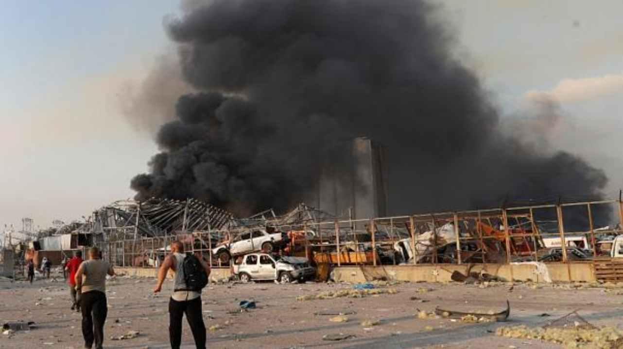 """Beirut, parla l'ex agente Cia: """"C'era anche esplosivo militare"""""""