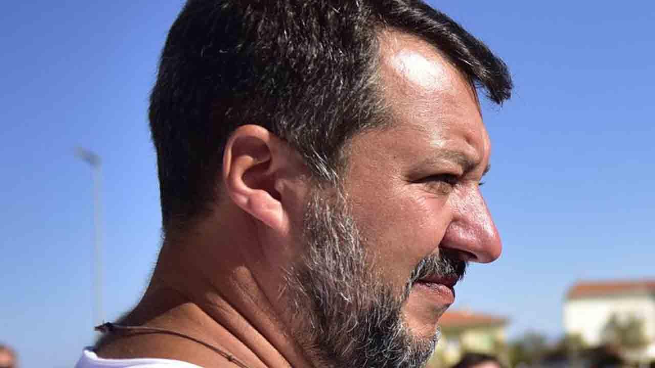 Salvini: Ne ho palle piene di clandestini, spacciatori e delinquenti