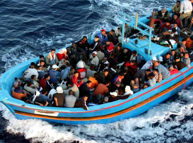 Migranti, Lampedusa: altri 8 sbarchi con 200 persone