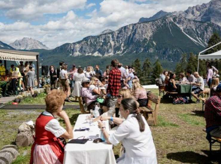 Positivo al Summer Festival, si cercano 600 persone. Il ragazzo tornava dalla Sardegna