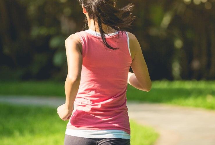 Gambe gonfie, attività fisica-Meteoweek.com