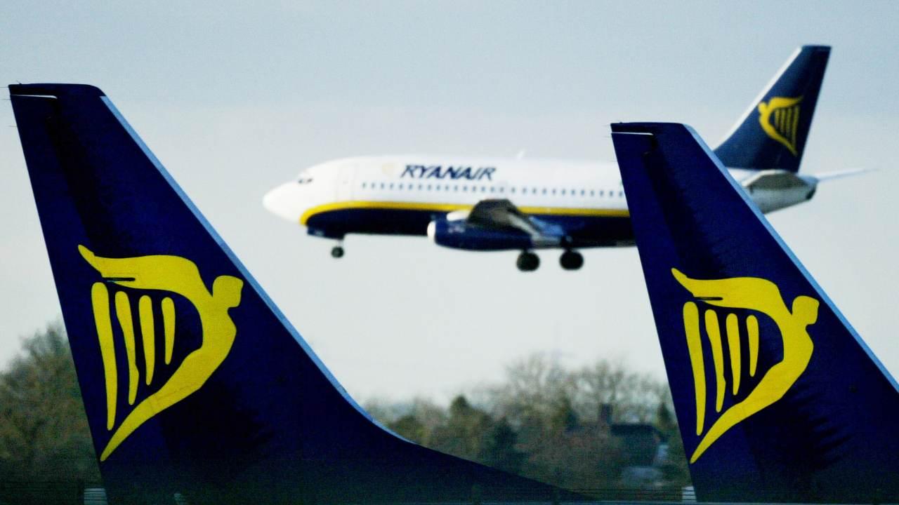 Due Boeing Ryanair rischiano di scontrarsi in volo sopra la Spagna a causa di un errore nel sistema. Più di ...