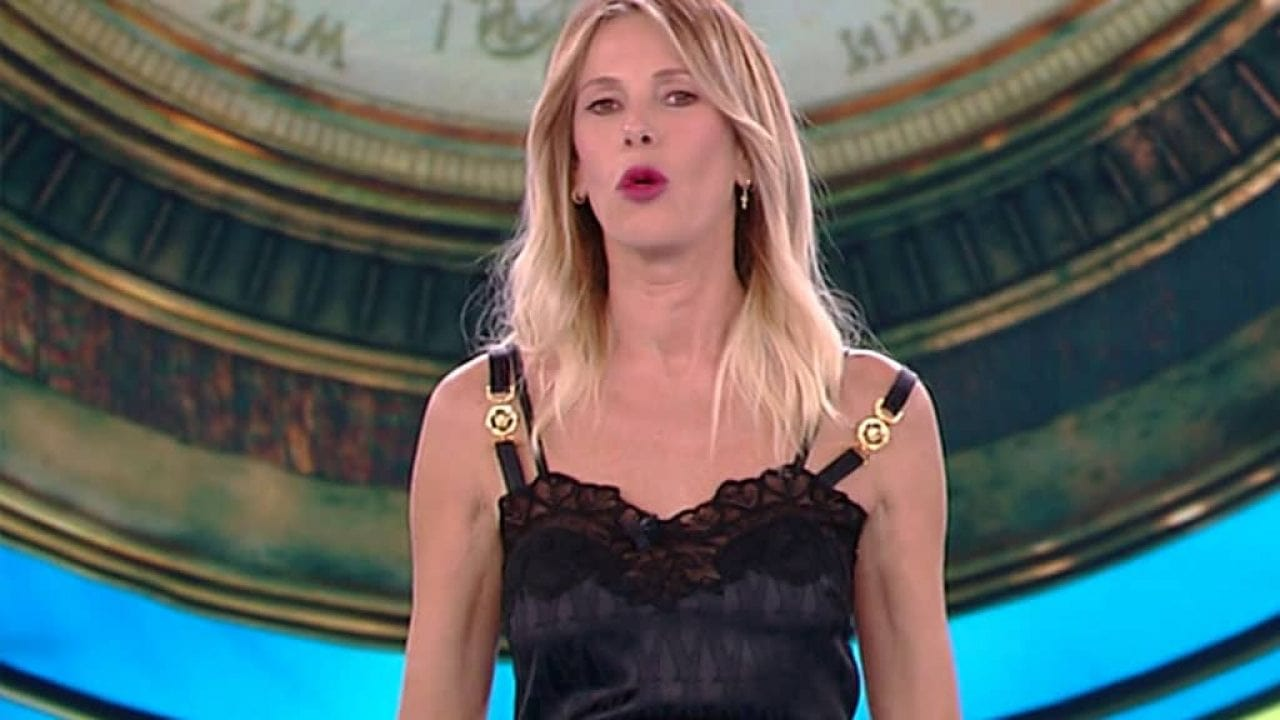 Alessia Marcuzzi parrucca a Temptation island: segreto nascosto