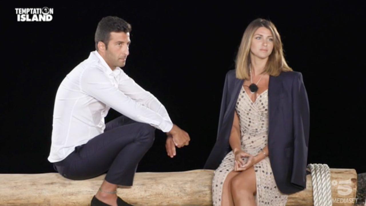 Anna e Gennaro escono separati | Il falò di confronto straordinario a Temptation Island