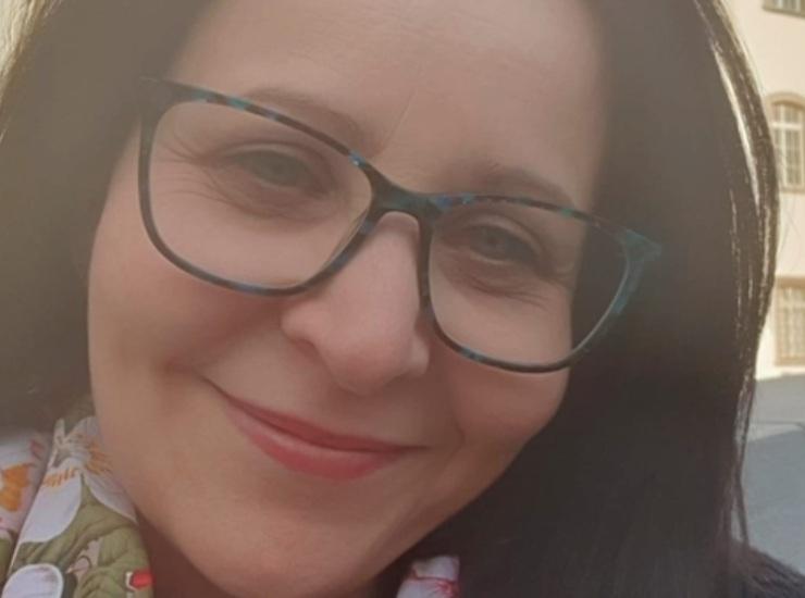 Teresa, baby sitter uccisa di botte in casa. Polizia ammazza aggressore