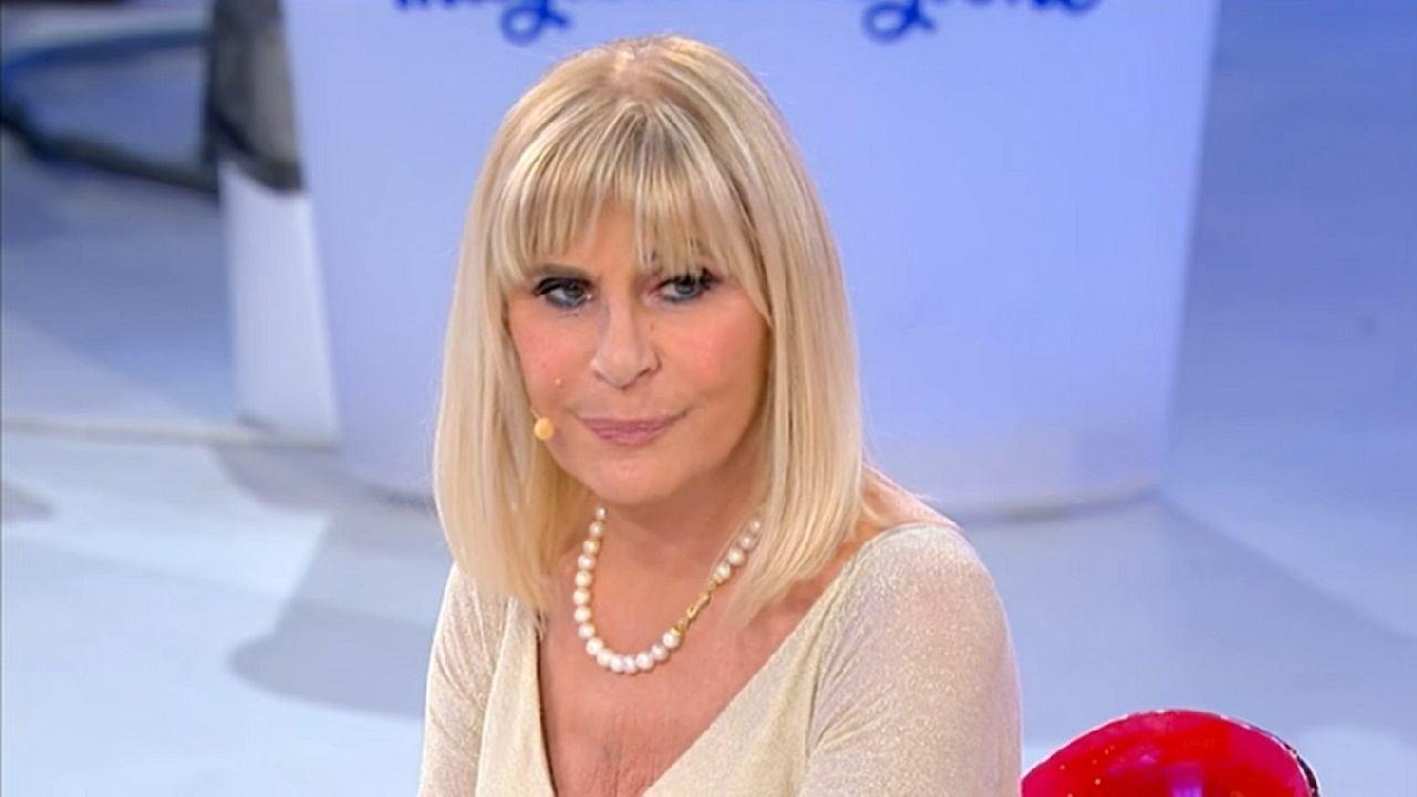 """""""La chirurgia l'ha rovinata, ha la faccia devastata"""": una star della musica a 62 anni è davvero irriconoscibile… [FOTO]"""