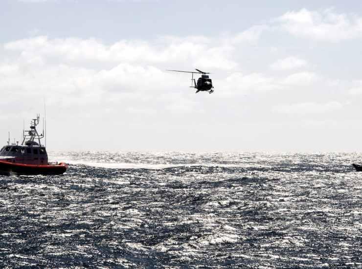 Giallo a San Benedetto: 25enne trovata morta in mare. Sparito il fidanzato