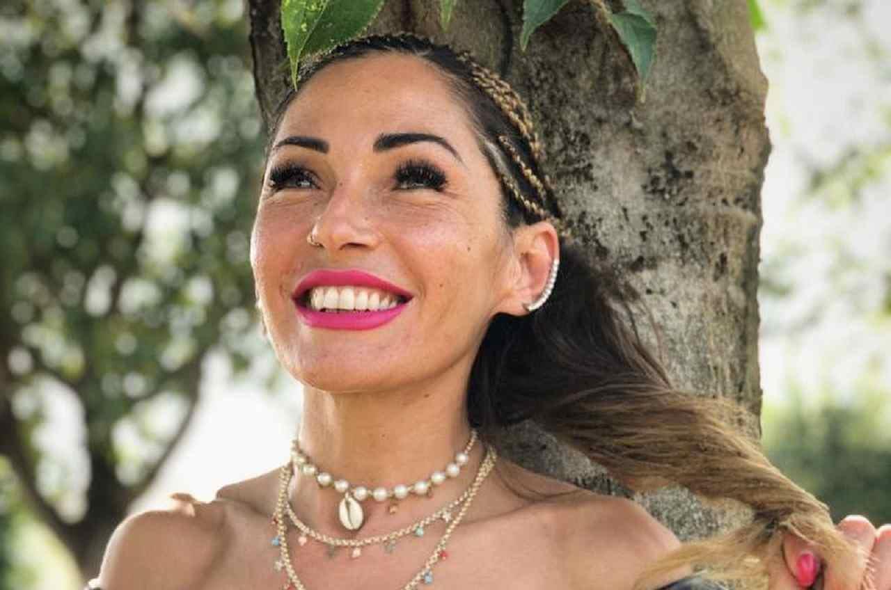 Ida Platano si lascia crescere i baffi