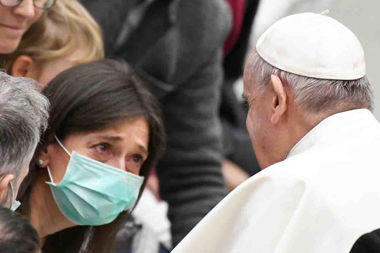 Il cardinale Bassetti positivo al Covid, trasferito in ospedale