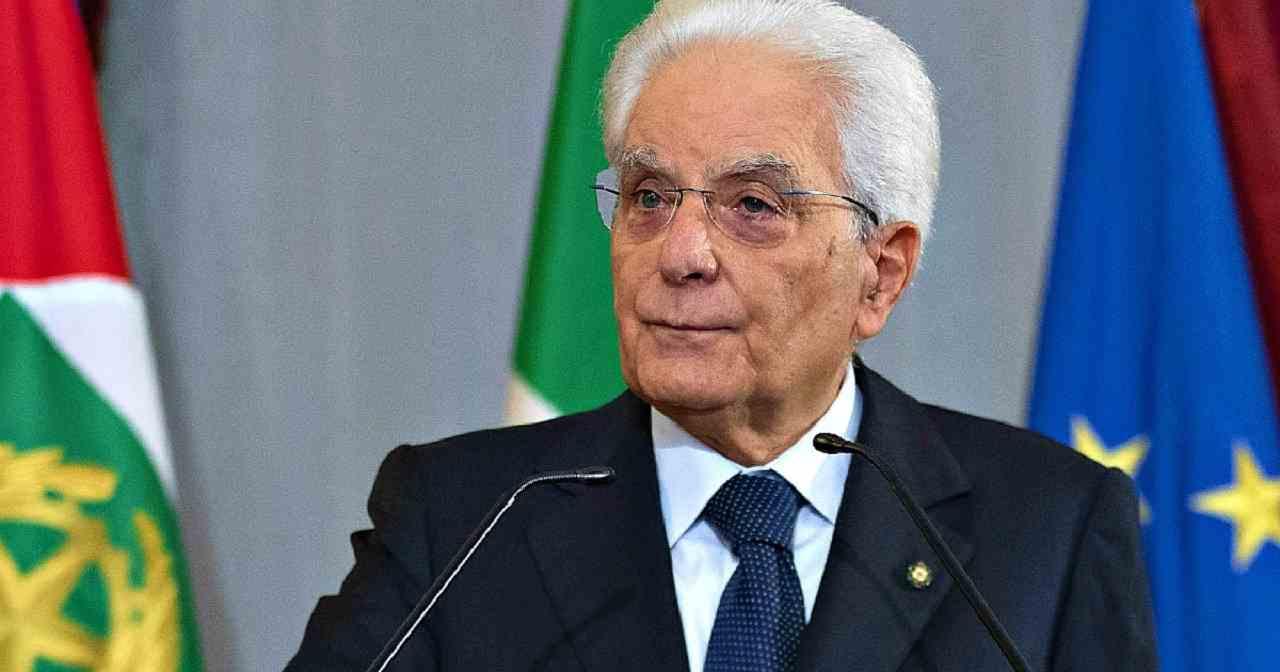 """La replica di Mattarella a Johnson:""""Noi italiani abbiamo a cuore anche la serietà"""""""