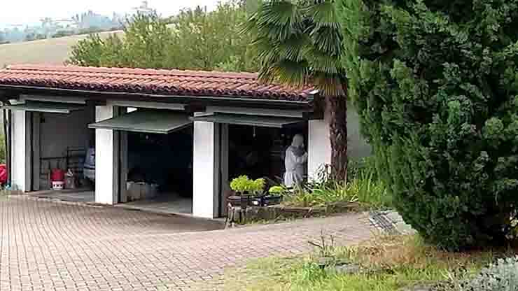 Omicidio di Casale Monferrato, ucciso dal figlio e bruciato nel giardino di casa