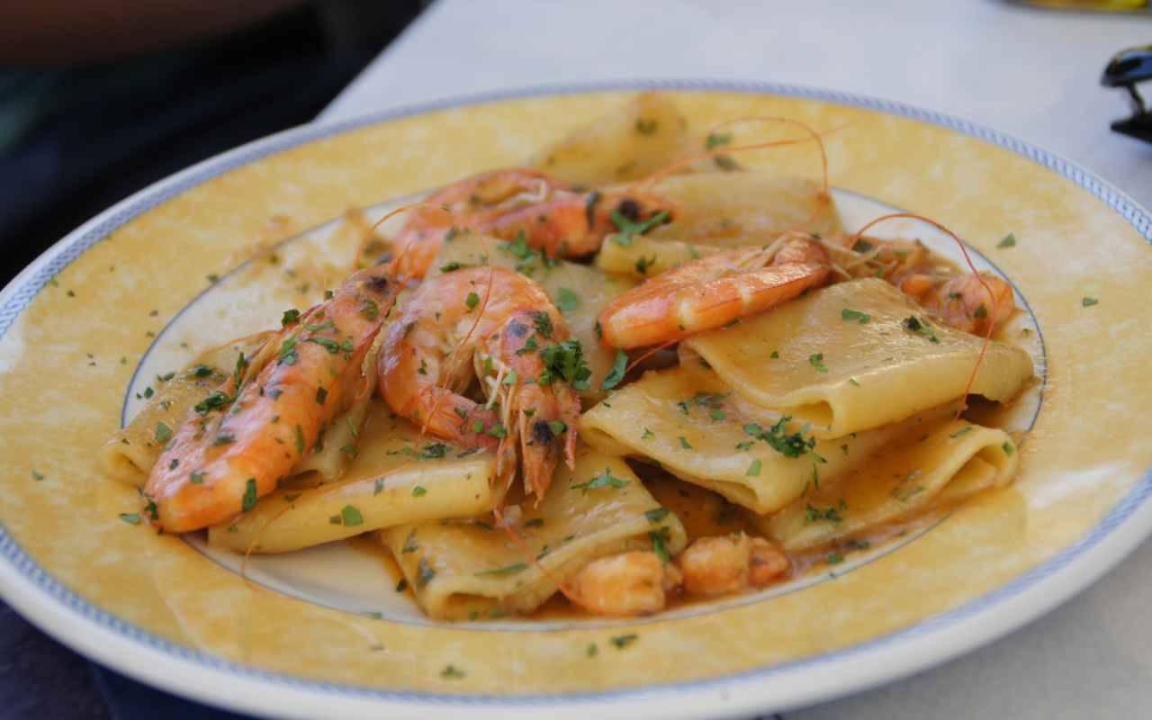 Paccheri con calamari e gamberi: il primo della Vigilia! La ricetta