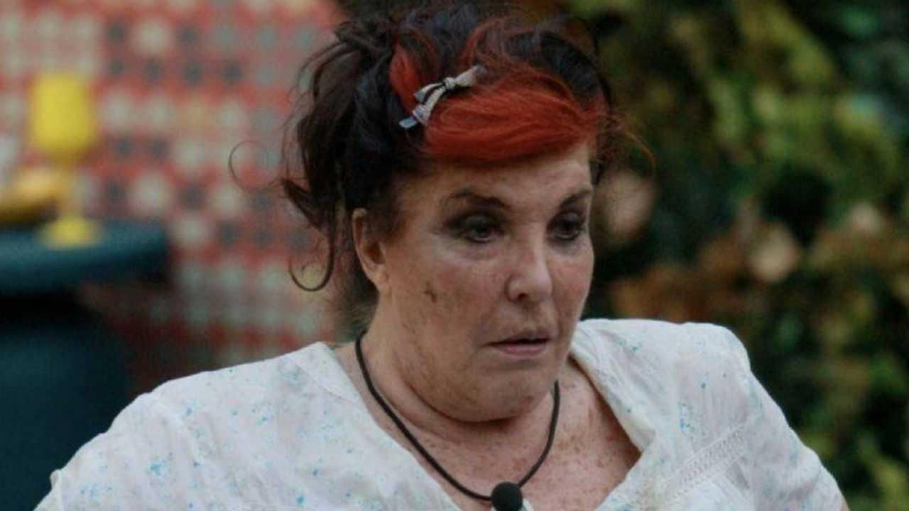 """""""Non se li lava da 9 giorni"""", bufera su Patrizia De Blanck: la richiesta della coinquilina"""