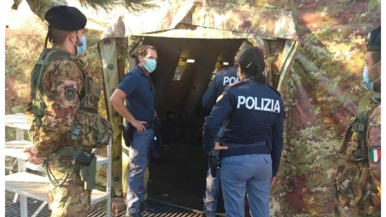 Polizia di frontiera rintraccia 70 migranti irregolari sul Carso